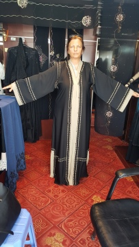 me-in-abaya-shop-1